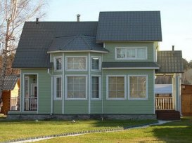 Оздоблення фасаду будинку сайдингом