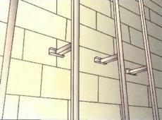 Вертикальна лати на бетонну стіну - фото